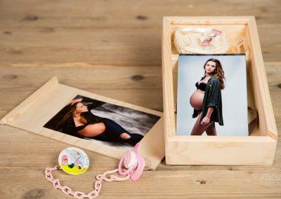 Caja de madera para fotos y pendrive