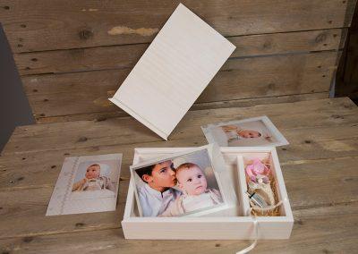 caja de madera para fotos y pen-drive